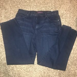 Gloria Vanderbilt jeans 16